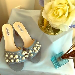 Cape Robbin denim & pearl sandals NWOT